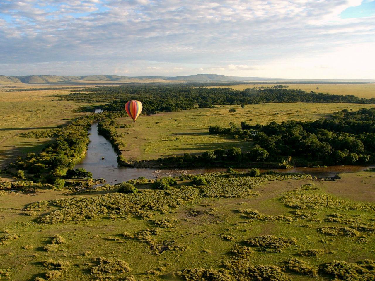 Osez parcourir les grands espaces  en montgolfière, dépaysement assuré à l'étranger